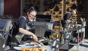 Teams of open-flame fanatic chefs face off in three culinary challenges for a chance at $10,000 and the title of Fire Master.