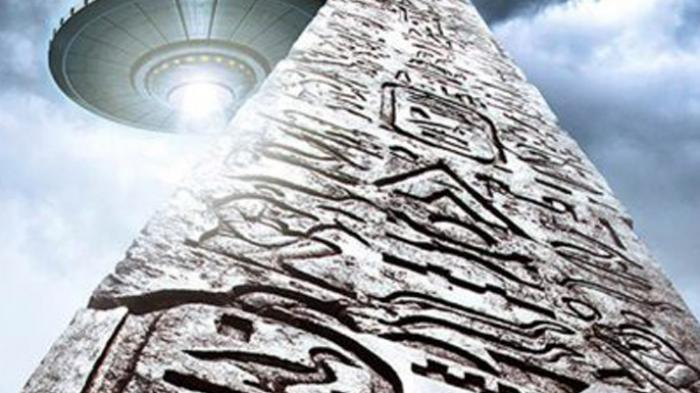Have a look at photographic and archaeological evidence that suggests ancient aliens existed.